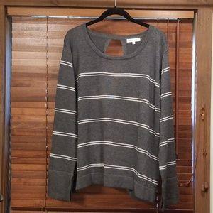 Heartloom open back sweater sz xl